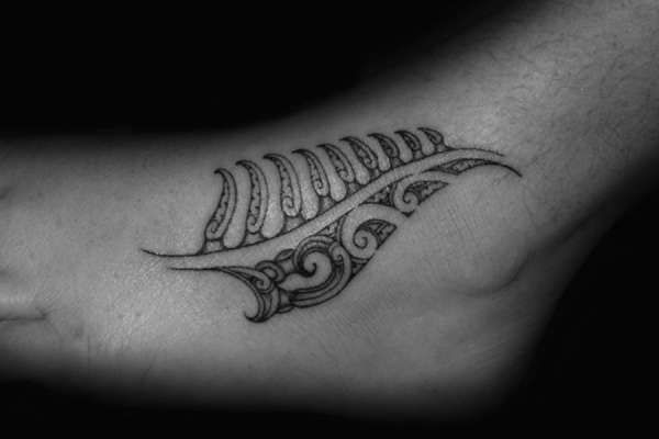 Maori Fern Tattoo: Maori Fern Tattoo Design