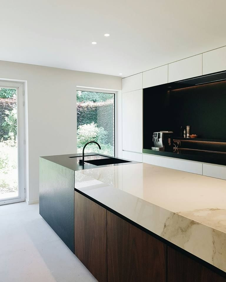 Contemporary, Minimal Kitchen In 2019
