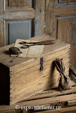 Épinglé par Christy Couret sur Trunks, Chest, Suitcases, Filing ...