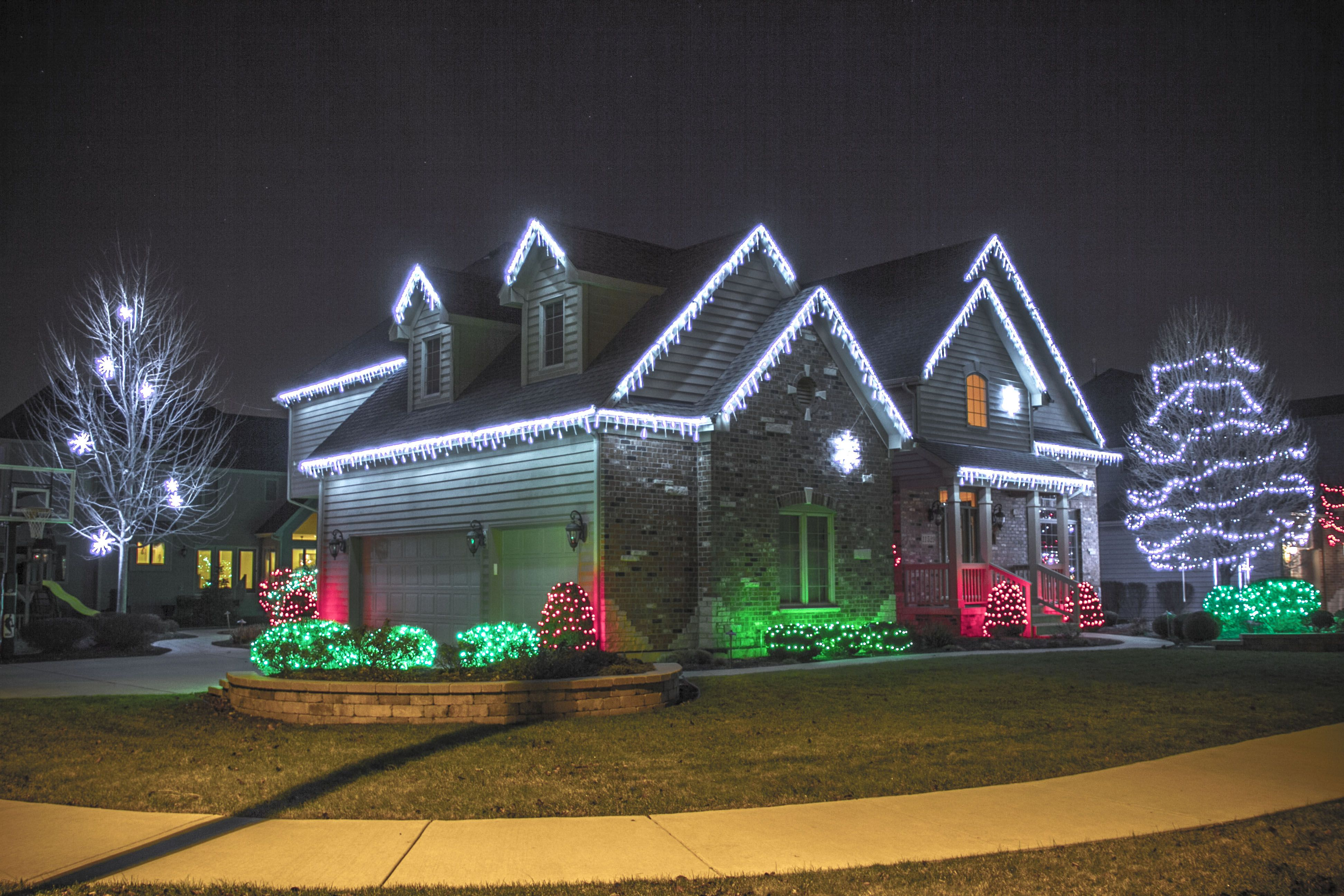 Christmas Outdoor Lighting Ideas: 17 Best images about Christmas outdoor lighting on Pinterest | Decorating  ideas, The tree and The grinch stole christmas,Lighting