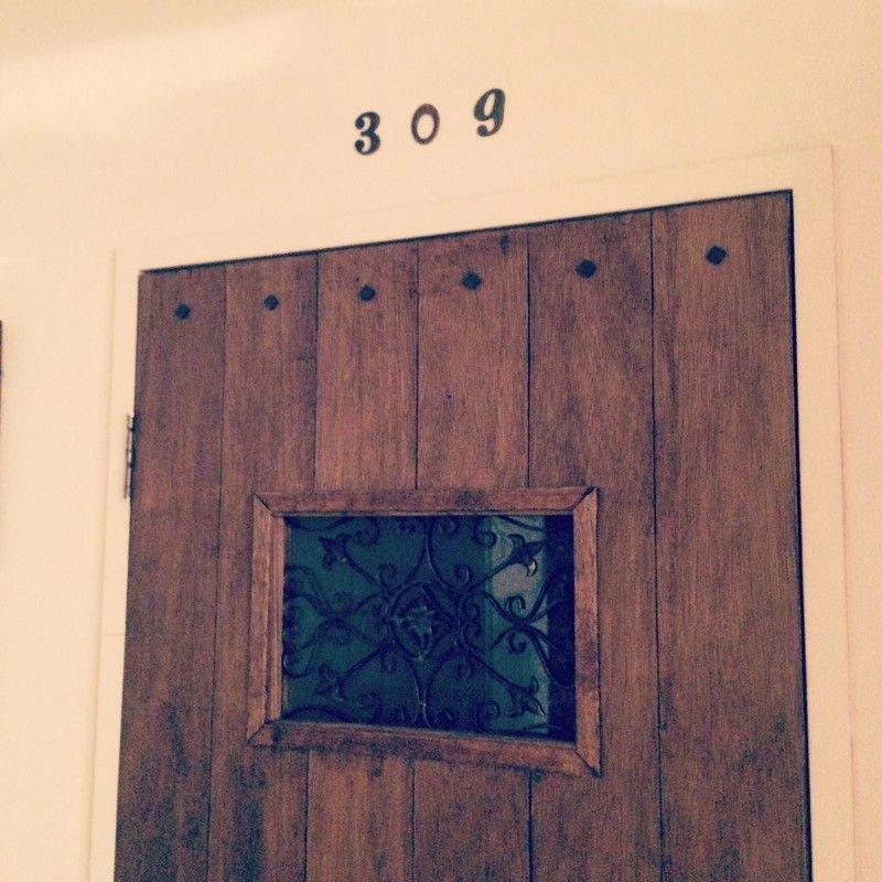 Diy 古いドアをリメイクで劇的ビフォーアフター 古いドア 古い家