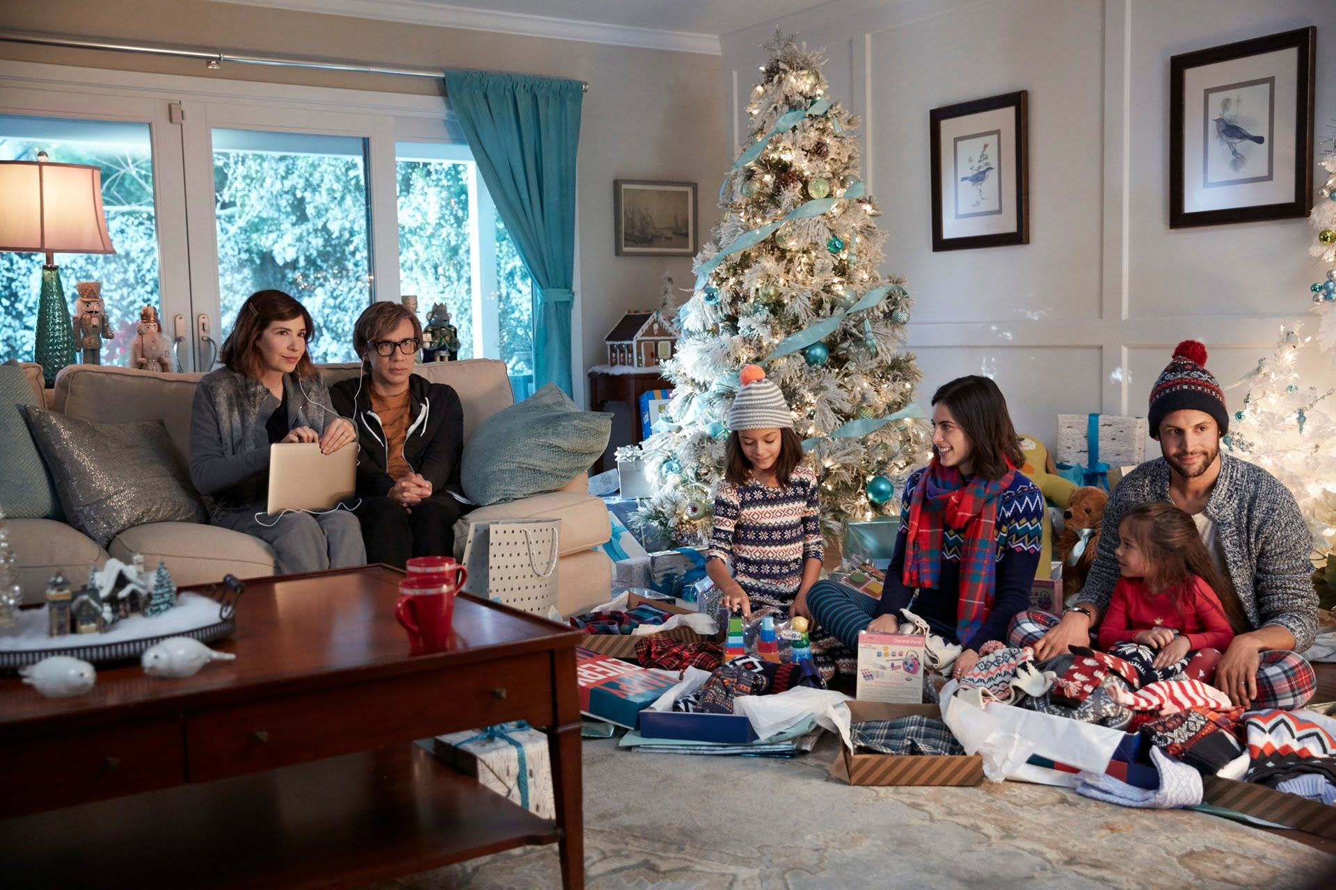 Old Navy Commercial 2015 Carrie Brownstein, Fred Armisen Kids Table ...