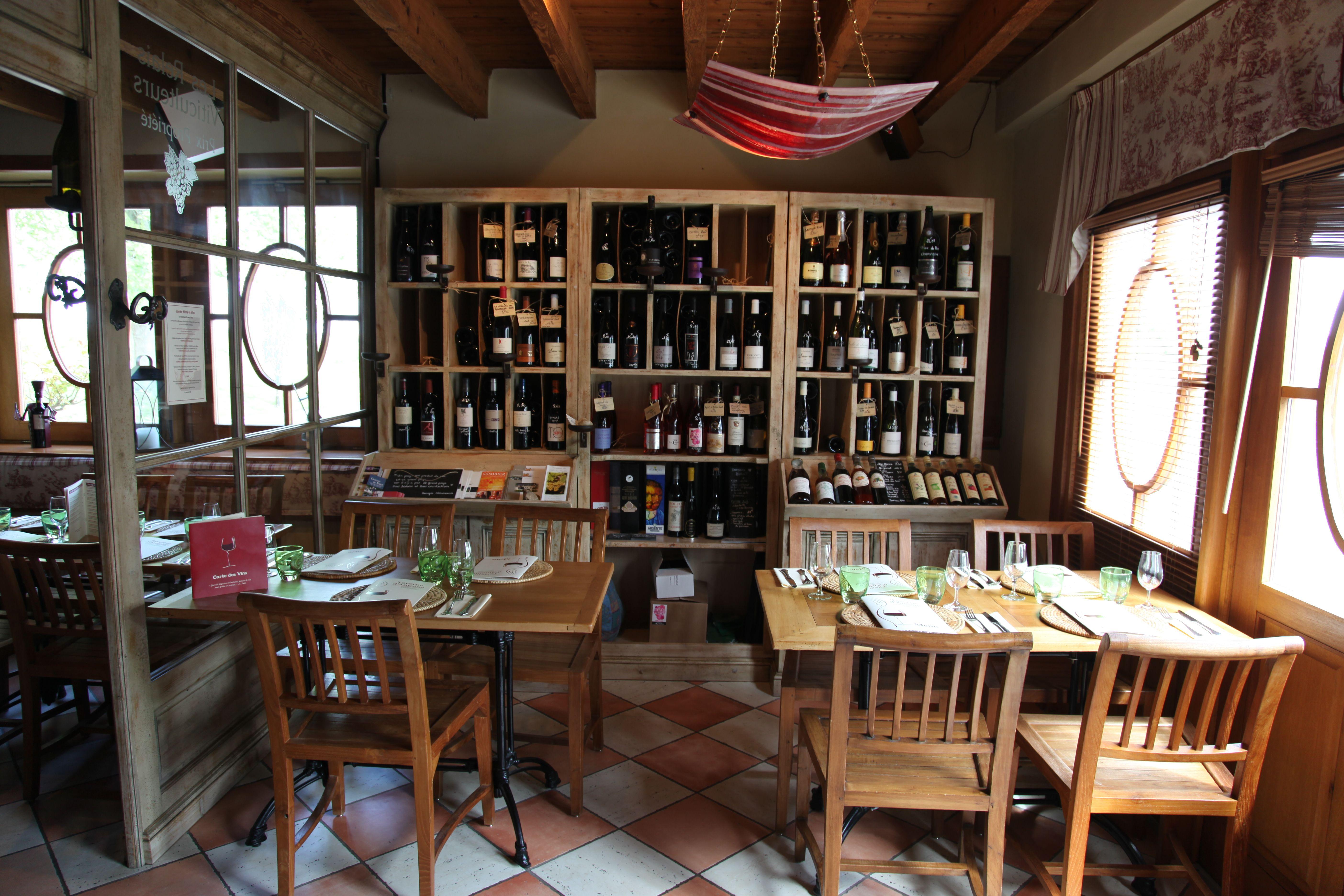 Une des Tables où vont se restaurer nos 6 heureux élus retenus pour la #loireauxtresors pendant les 3 jours de l'aventure. www.laloireauxtresors.com