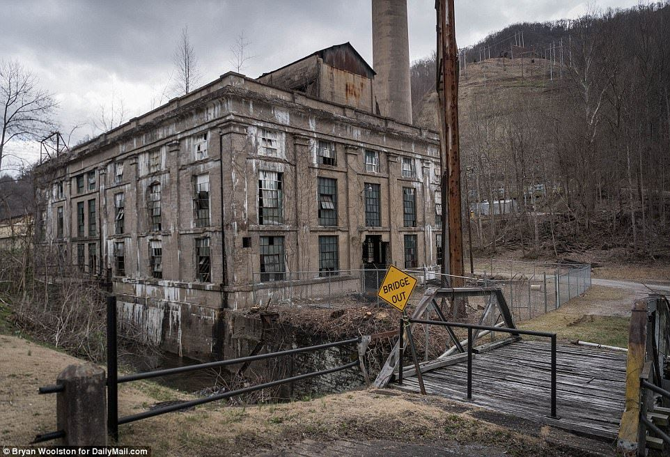 Nearabandoned coal town struggles to live past 100 years