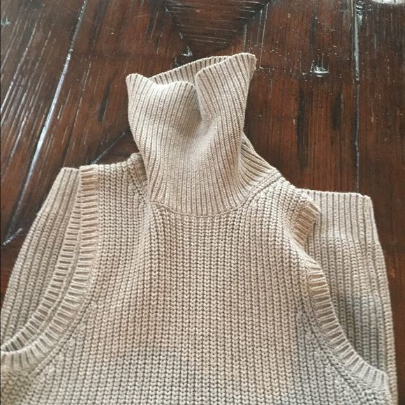 Cool Michael Kors sweater tank If only this thing fit meeeee! Gray, classic, easy, flattering Michael Kors Sweaters Cowl & Turtlenecks
