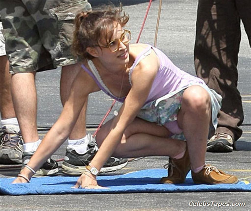 Natalie Portman Booty In Tiny Bikini Natalie Portman Sexy -6501