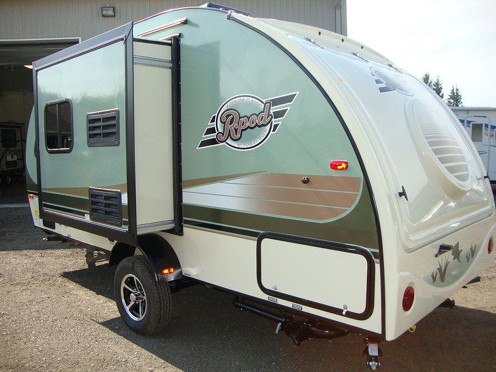 caravane 201 ici 450 456 9696 en location vente roulottes campeur winnebago neuf usag. Black Bedroom Furniture Sets. Home Design Ideas