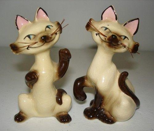 Vintage SALT & PEPPER SHAKERS Siamese CATS Retro Disney Lady & The Tramp Si & Am