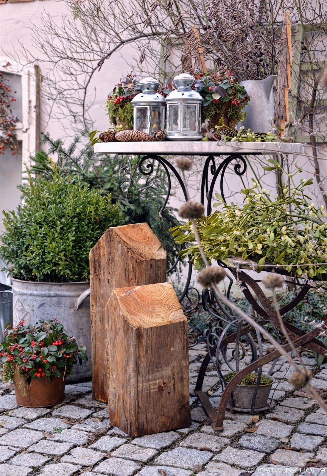 Innenhofdekoration im Winter Außendekoration mit Naturmaterialen Dekoration mit Zink Shabby