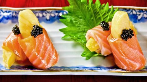 Smoked salmon with caviar and mango at Kiriko