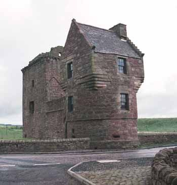 Burleigh castle is a small 16th century tower house that for Small castle house
