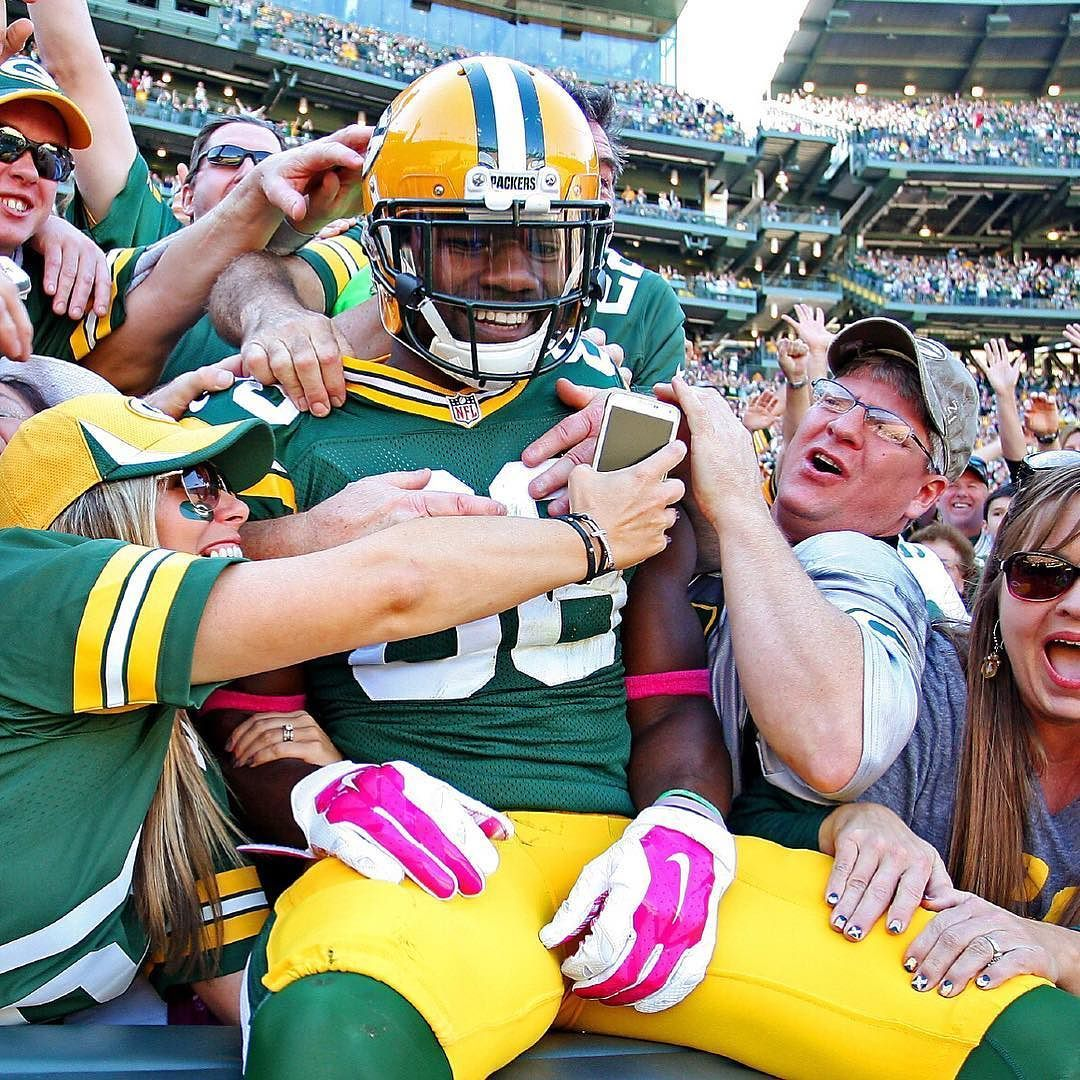 Tap Twice To Wish Packers Wr Ty Montgomery A Happy Birthday By Packers Ty Montgomery Green Bay Packers Packers Green Bay