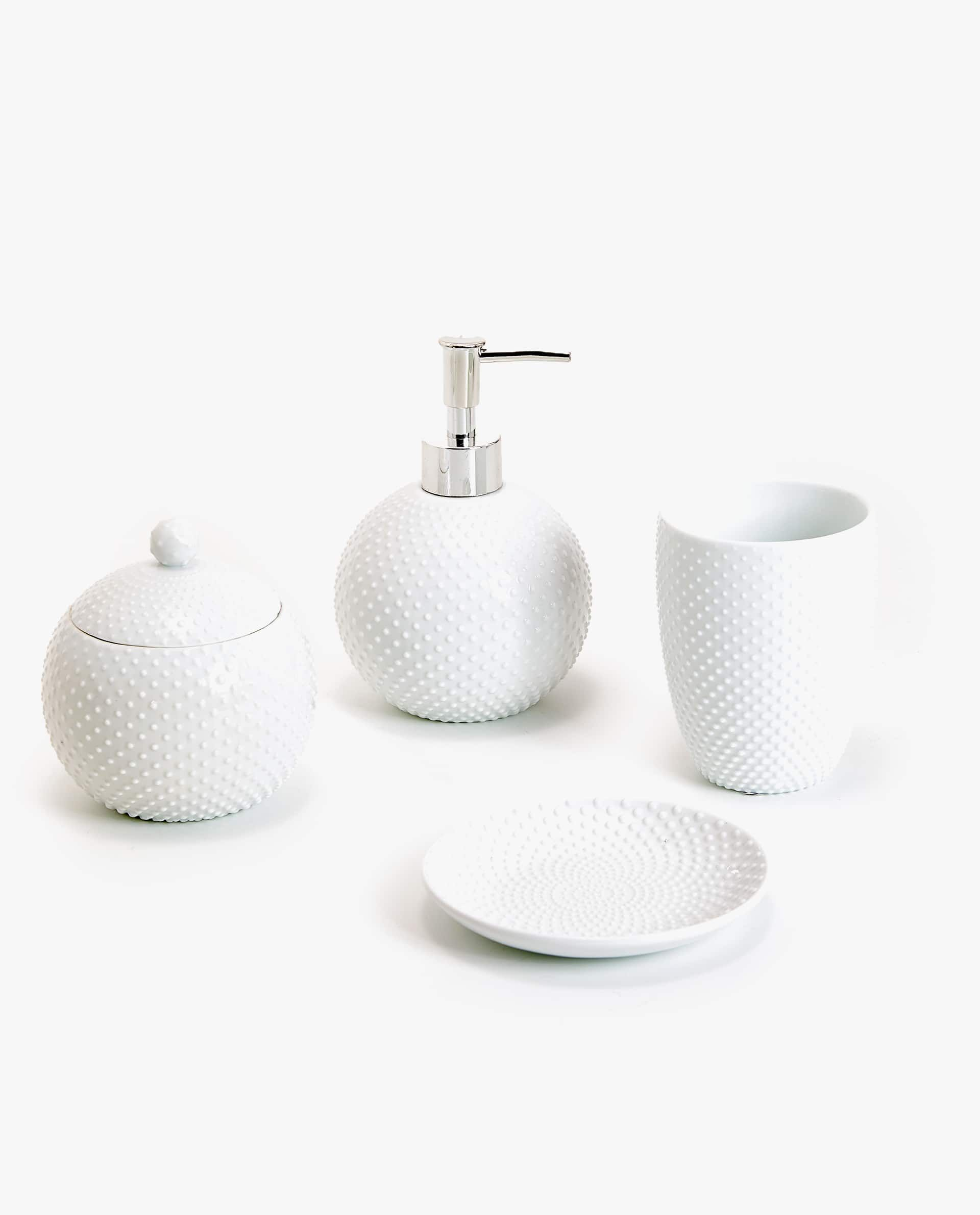 Ensemble De Bain Ceramique Pois Accessoires De Bain Salle De Bain Zara Home France Soap Dispenser Soap Dispenser