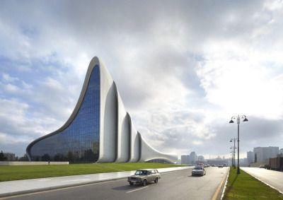 مركز حيدر علييف الثقافي في باكو عاصمة أذربيجان تصميم المهندسة العراقية الراحلة زها حديد Zaha Hadid Zaha Hadid Architecture Zaha Hadid Design
