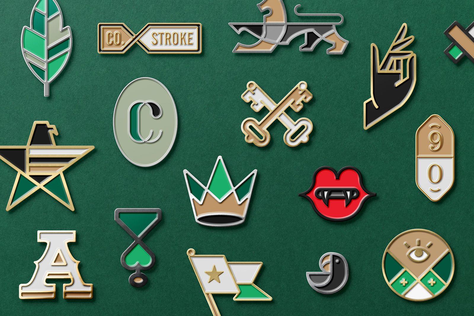 Logo Enamel Pin Mockup   Pinz'n'patchez