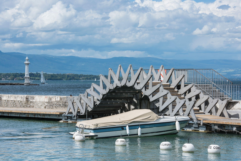 Flexible Bridge in Geneva; INGENI with MID Architekten; HAU; Photo: © Adrien Barakat
