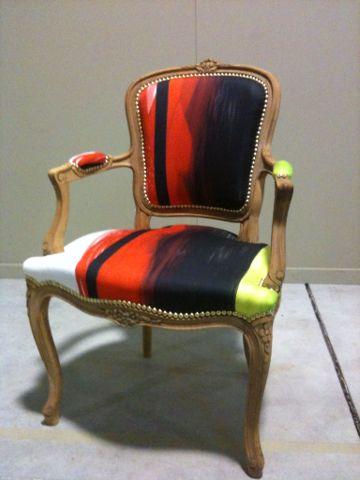 fauteuil cabriolet louis xv de style tapissier dameublement artisan dart cole boulle tissu christian lacroix artisan tapissier dcora - Tapissier Fauteuil