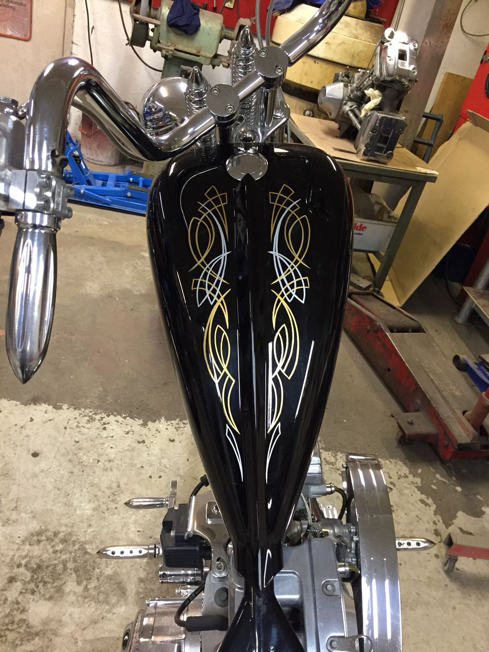 Chopper pinstriping springer kustom custom paint 1-shot 276ccm Harley Davidson
