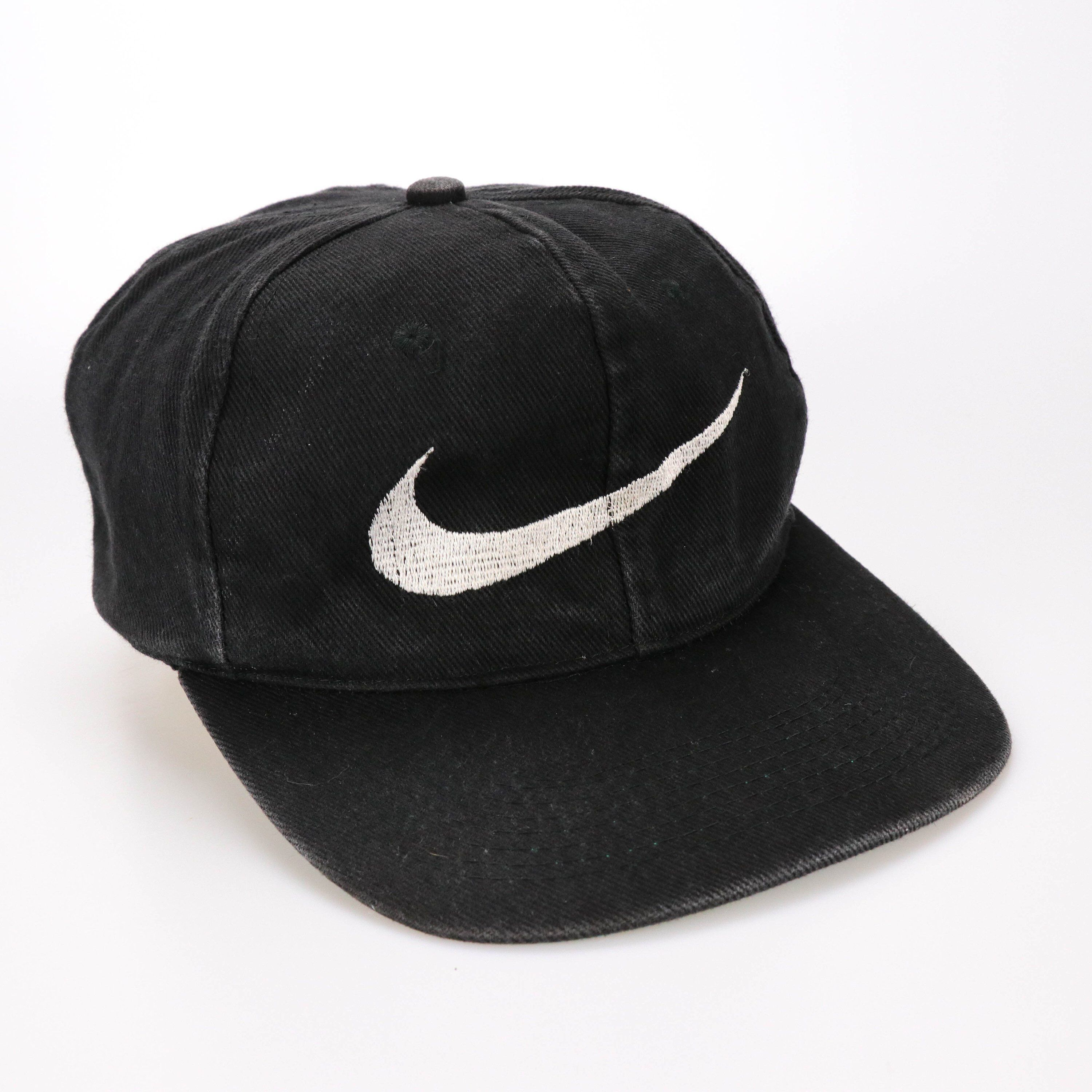 404e3c76e83 Excited to share the latest addition to my  etsy shop  Vintage 80s 90s Nike  swoosh Logo Cap Hat Snapback  accessories  hat  black  vintage  80s  90s   nike ...