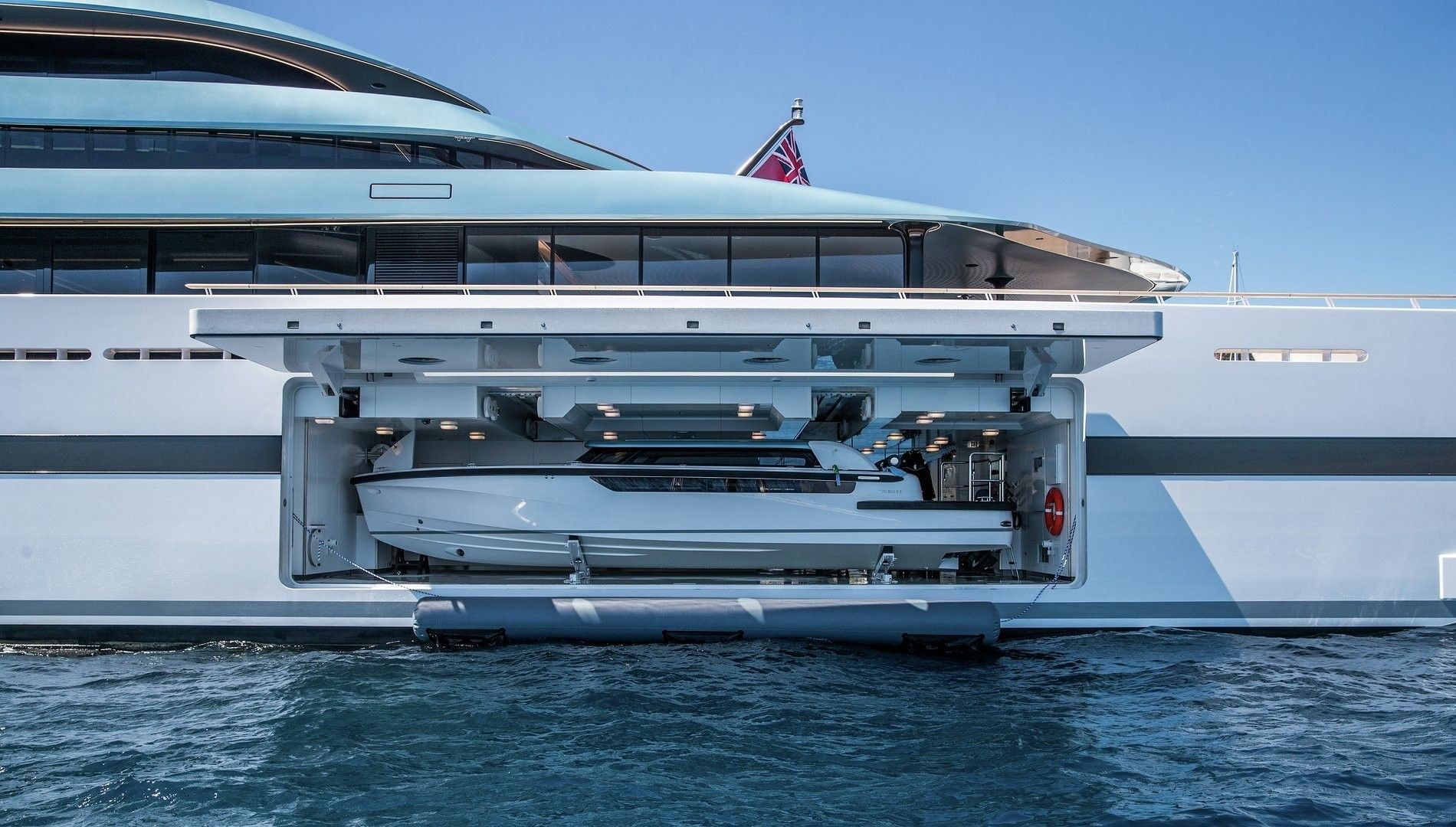 Yacht JUBILEE | naval | Pinterest
