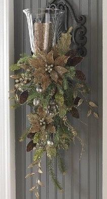 Door Swag, Garage Doors, Christmas Wreaths, Christmas Ideas, Homemade  Christmas, Natal, Xmas, Christmas Swags, Holiday Burlap Wreath