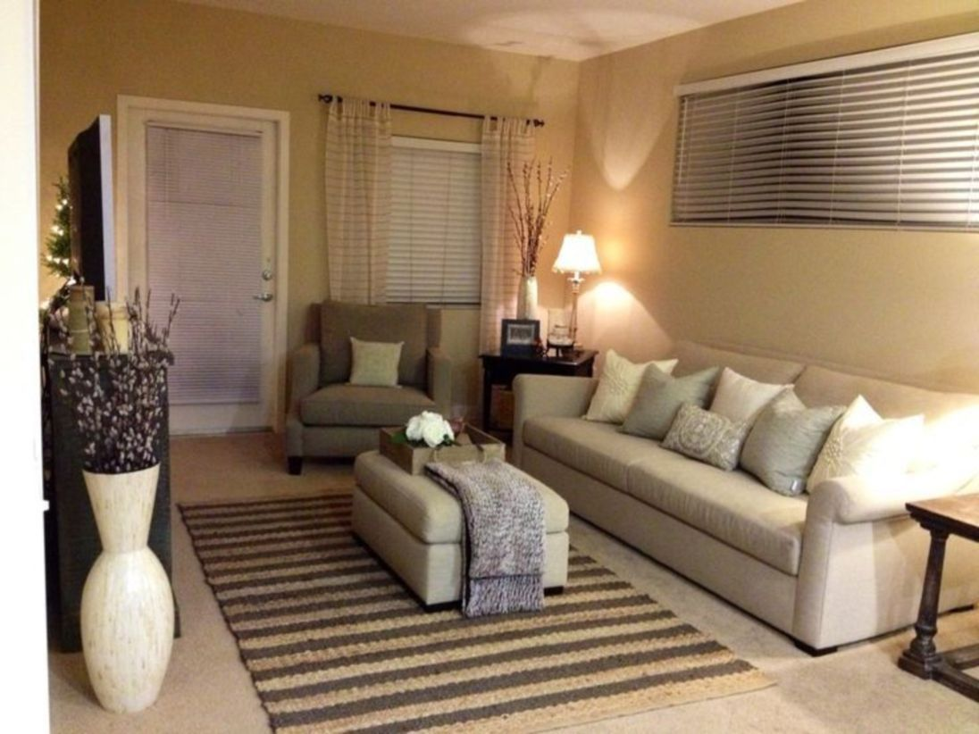 42 Simple Living Room Decoration Ideas For Small Apartment Small Living Room Layout Small Apartment Living Room Livingroom Layout
