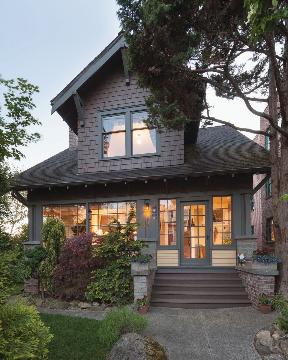 A Seattle Craftsman Bungalow Revealed