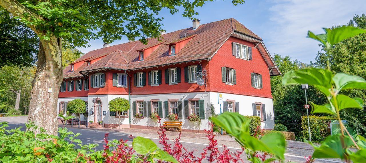 Seehaus Pforzheim Landgasthof Grosser Biergarten Cafe Biergarten Seehaus Garten