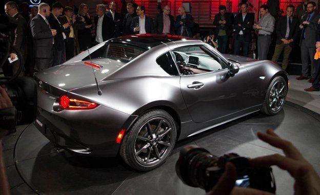 2017 Mazda Mx 5 Miata Retractable Fastback Photos And Info News Car