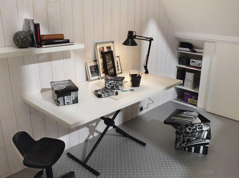 Un bureau avec tréteaux sur un sol effet zinc intérieur bureau