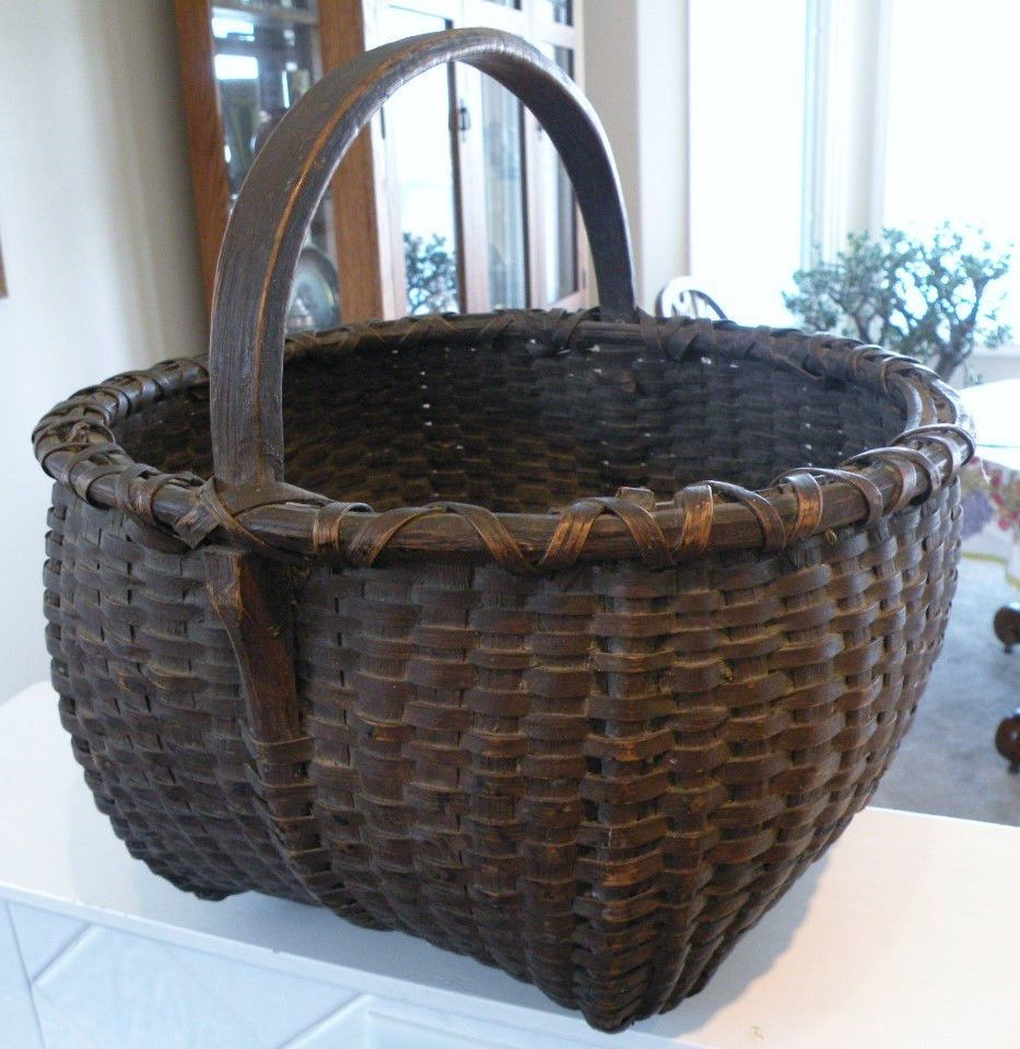 Large Old Round Southern Splint Oak Basket w/ Bentwood Handle, Awesome Patina.   sold   Ebay   200.00.   ....~<3~