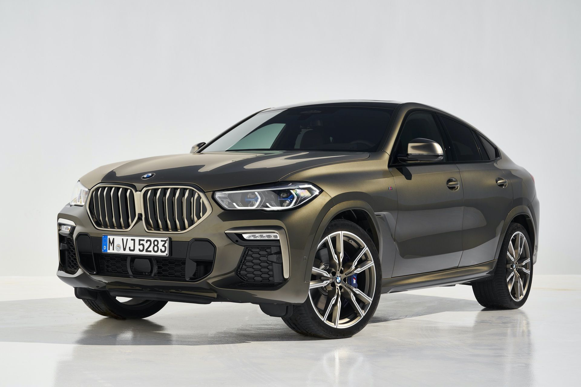 Photo Comparison New Bmw G06 X6 Vs Old X6 Bmw X6 New Bmw Sport Suv