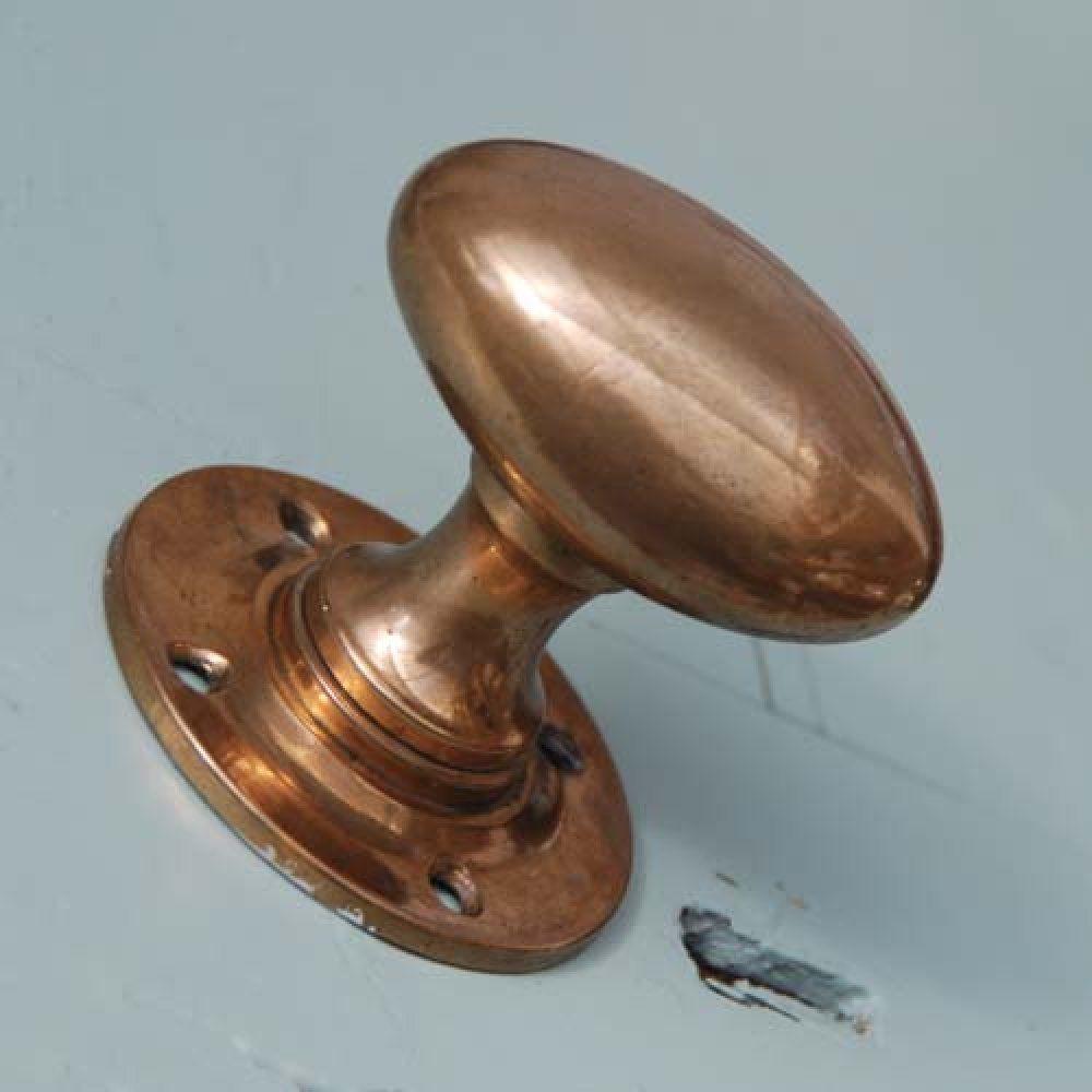 Copper knobs | New House Aesthetic | Pinterest