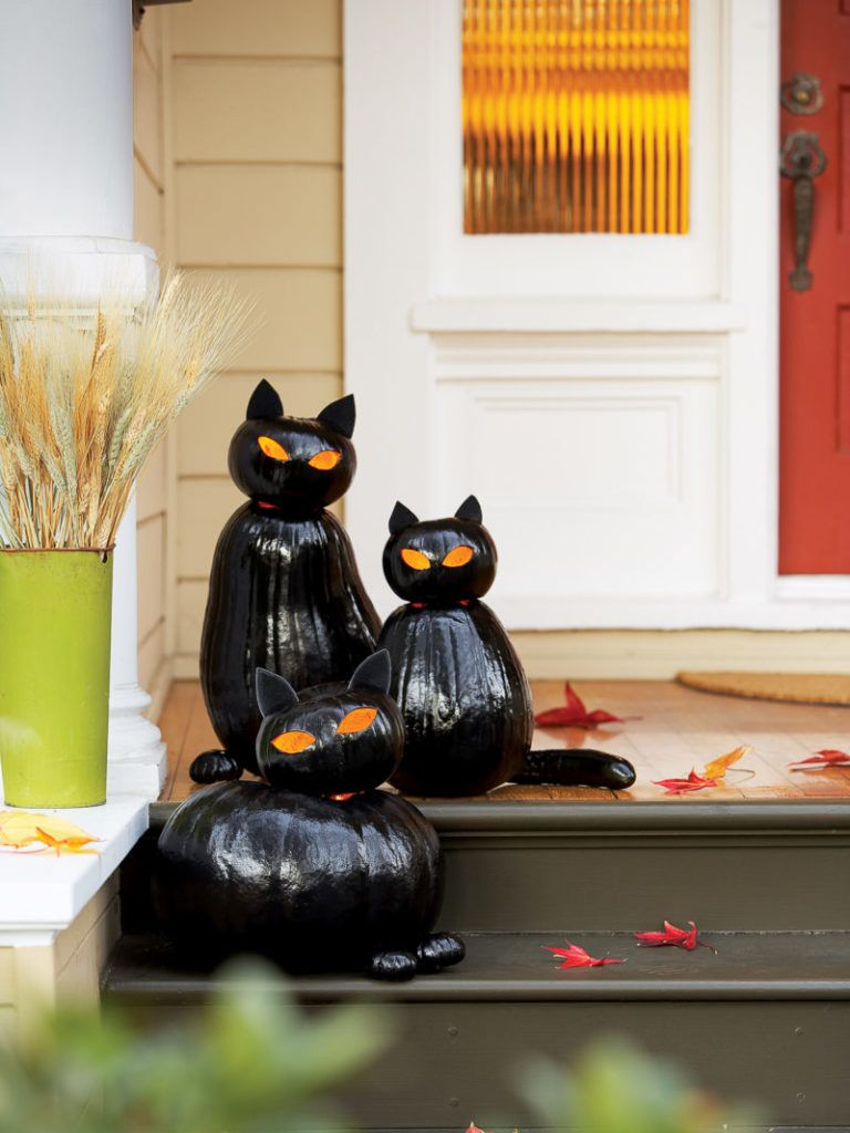 30 Outdoor Halloween Decoration Ideas You Ll Love To Copy From Detectview Halloween Decorations Diy Outdoor Outdoor Halloween Halloween Outdoor Decorations