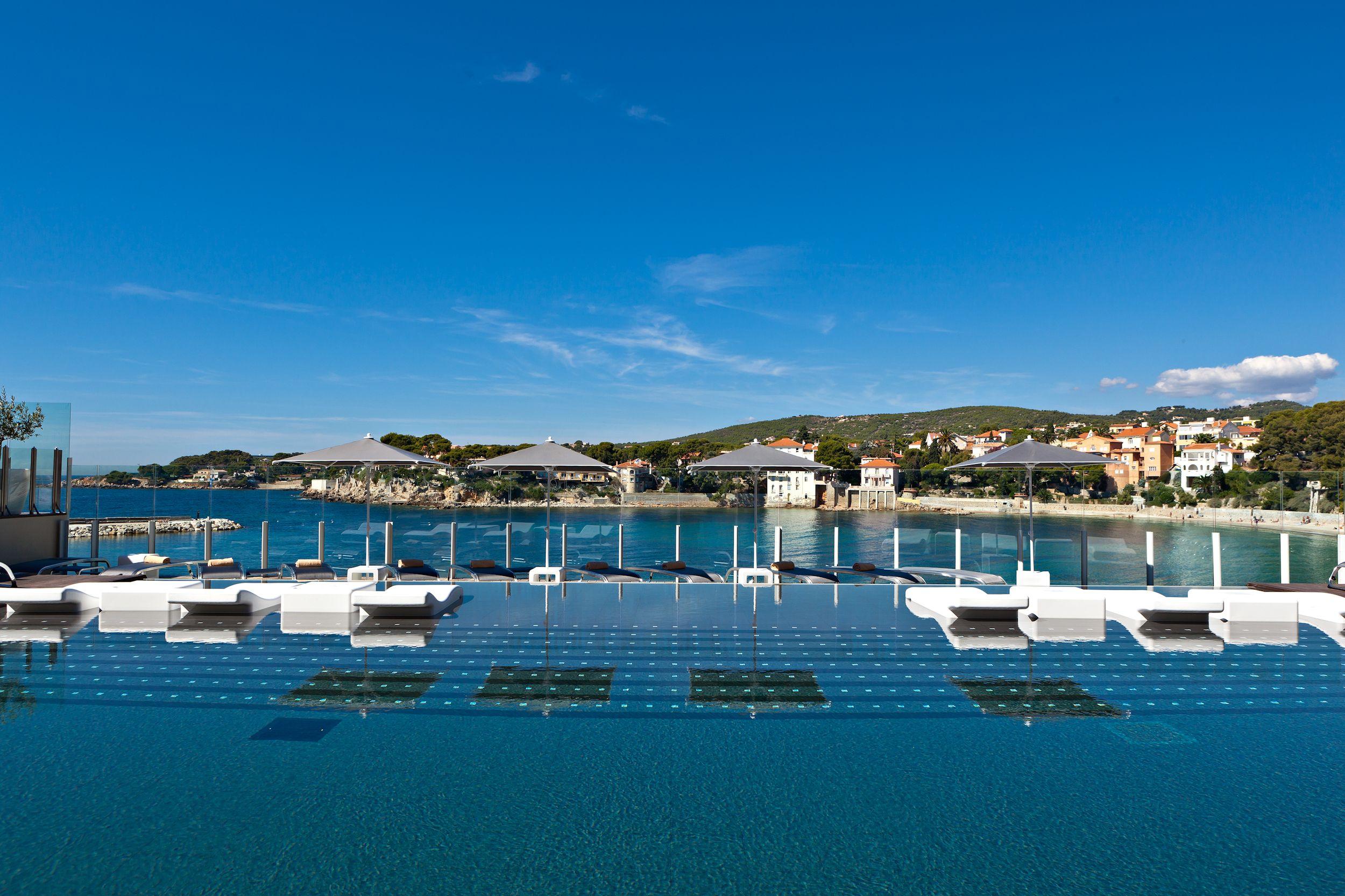 #infinity #pool #bandol #wine #rose #Mediterranean #france #harbour #luxury #hotel