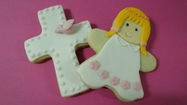 Realizamos, por encargo,  galletas para comuniones.