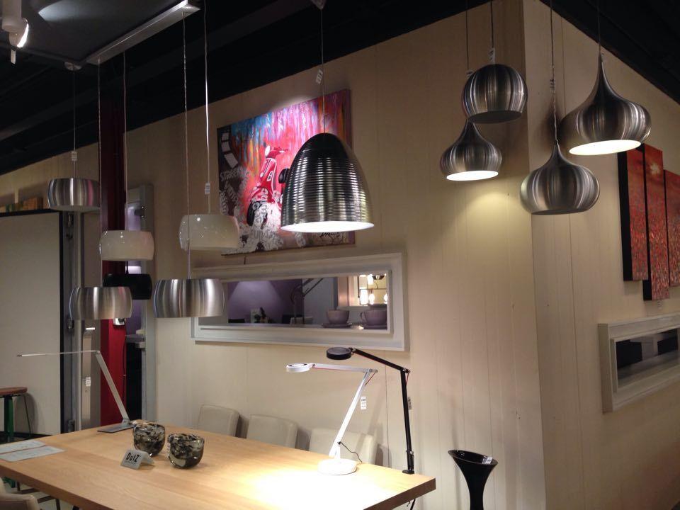 Showroom winkel .Landelijke , moderne, design industriele lampen . Home interior lights / ONLINE SHOP : click on this LINK ( www.rietveldlicht.nl ) Verzendkosten gratis .