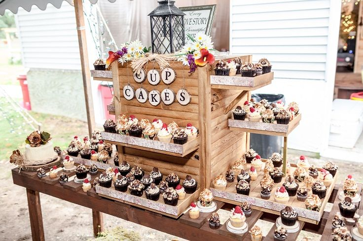 Wedding Our Cupcakes With Our Diy Rustic Cupcake Stand My