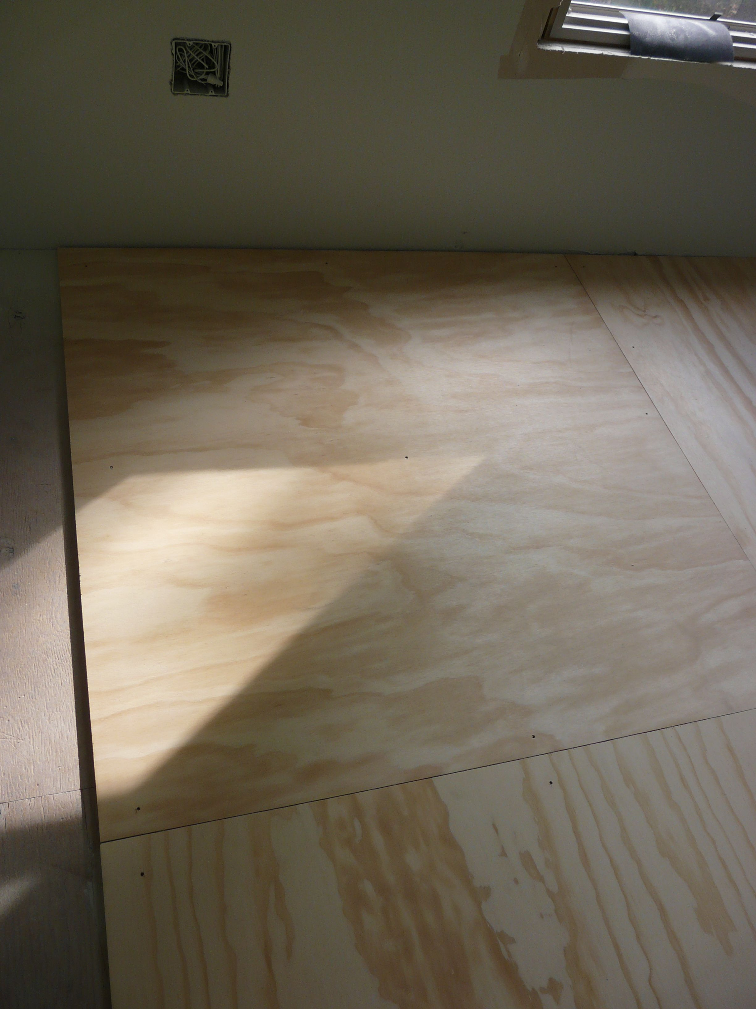 Plywood Floor Going Down Plywood Plank Flooring Flooring Plywood Flooring Diy