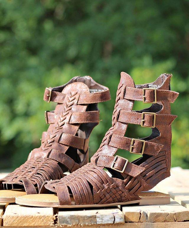 60493f4080472 Timavo Sandals - Beige