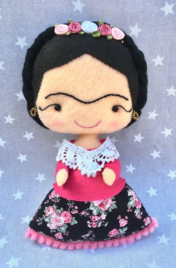Muñeca Frida Kahlo, muñeca niña, regalo personalizado, hecho a mano fieltro, Frida, regalo Frida, Frida Kahlo fieltro.