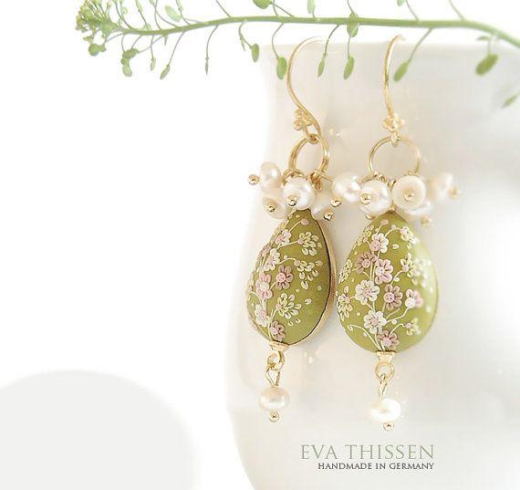 Handmade Polymer Clay Earrings. Eva Thissen creation.