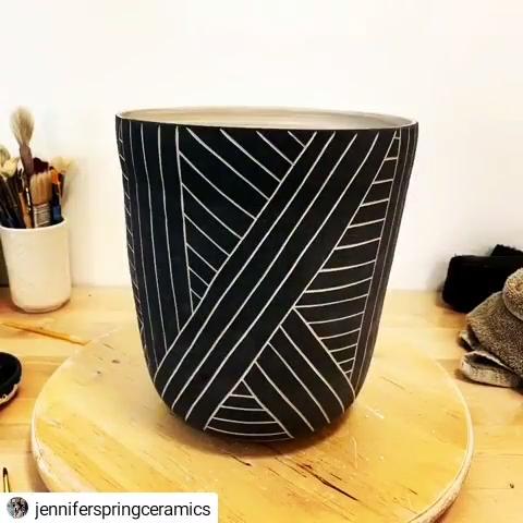 How to carve a pot ❤ Follow @jenniferspringceramics for more! #handbuiltpottery #potterywheel #potteryfun #potterystudio #potterymaking #wheelthrownpottery #potteryart #ceramic #potteryvideo #studiopottery #potterydesign #potteryclass #potterylover #potteryclasses #potterylove #handmadeceramics #potterytools #pottery #potteryartist  #ceramica #contemporaryceramics #potterymug #handmadepottery #ceramics #ceramicart #potteryvideos