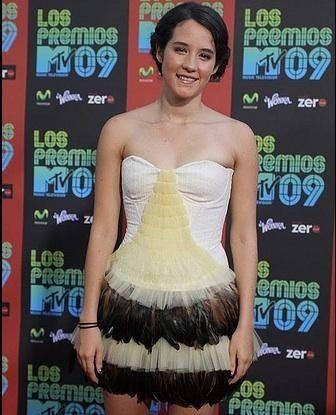 Ximena Sariñana in Reloaded.