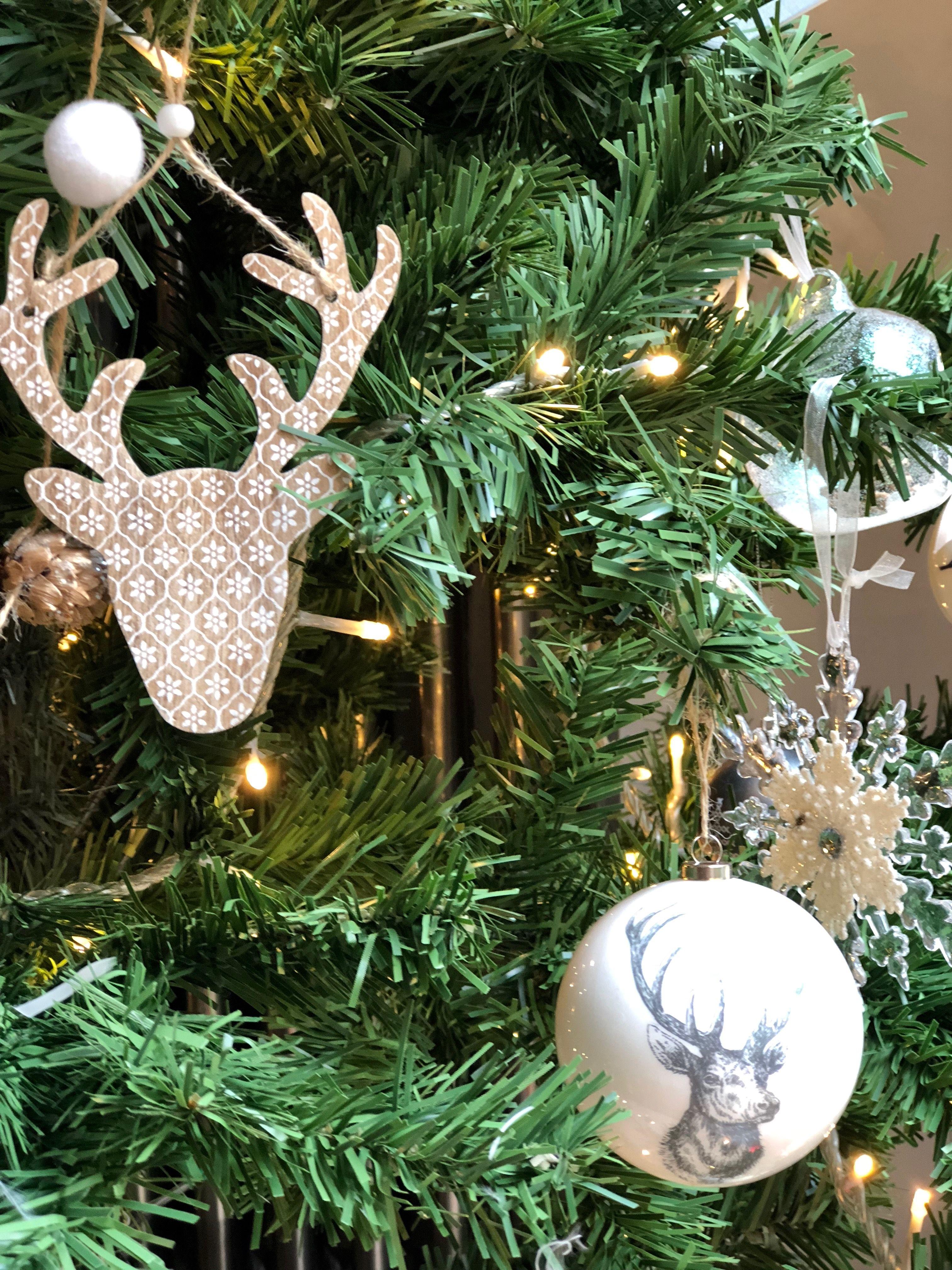 Personnage Et Objet Decoratif Objet Decoration Fetes De Noel Noel