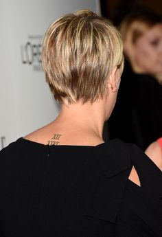 Kaley Cuoco Short Hair 2015 Google Search Kaley Cuoco Short Hair Short Hair Styles Haircuts For Fine Hair