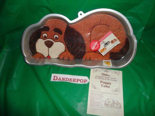 Wilton Large Dog Shaped Puppy Cake mold With Instructions 15 x 9