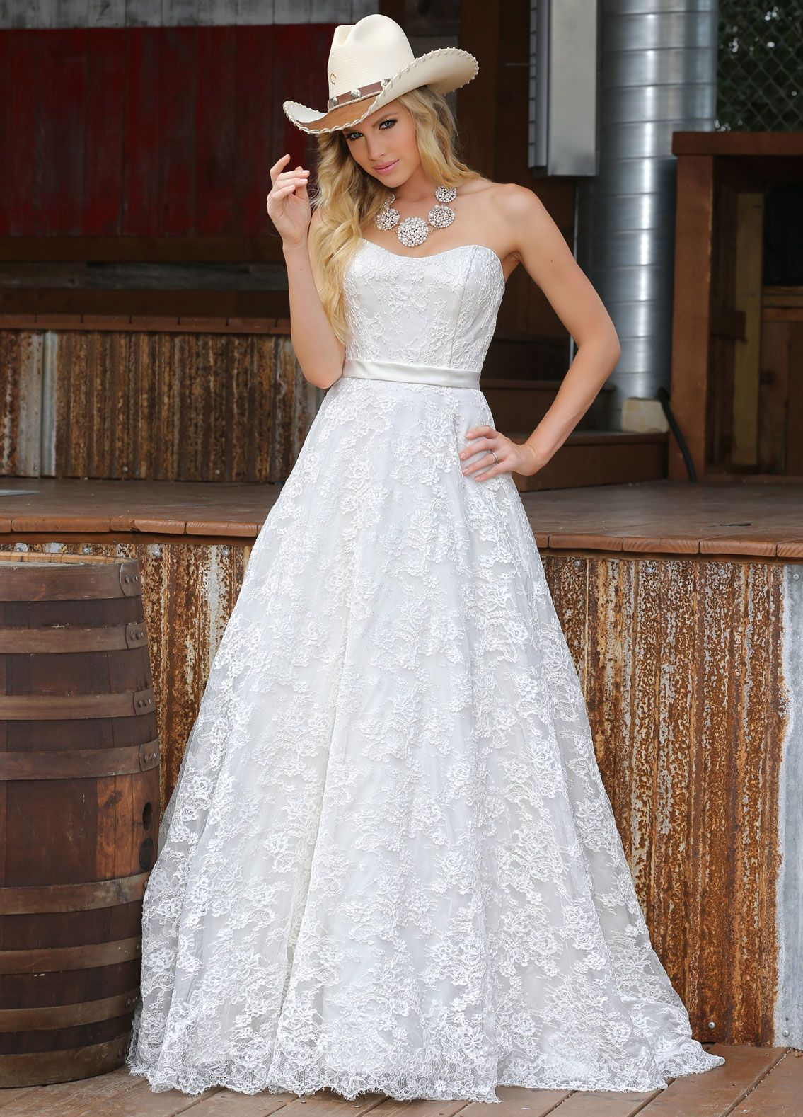 Encounter timeless bridal design and breathtaking lace in style
