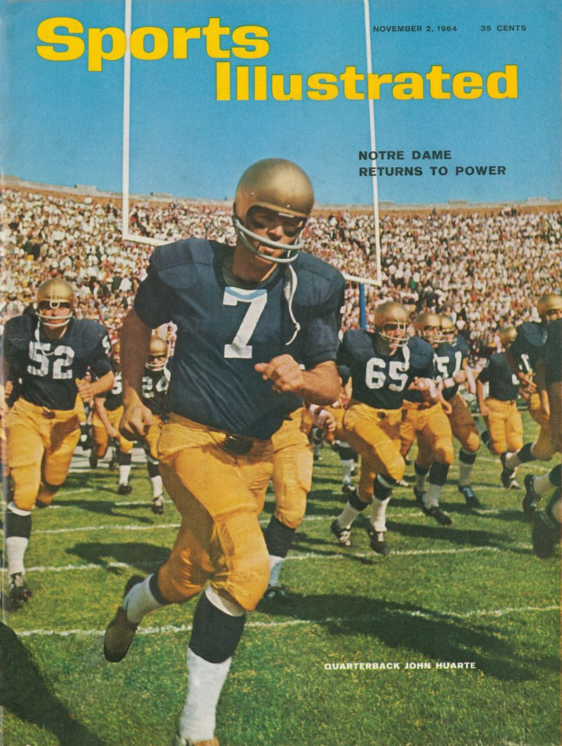 480d3468f John Huarte with his Notre Dame team on the cover of Sports Illustrated 1964