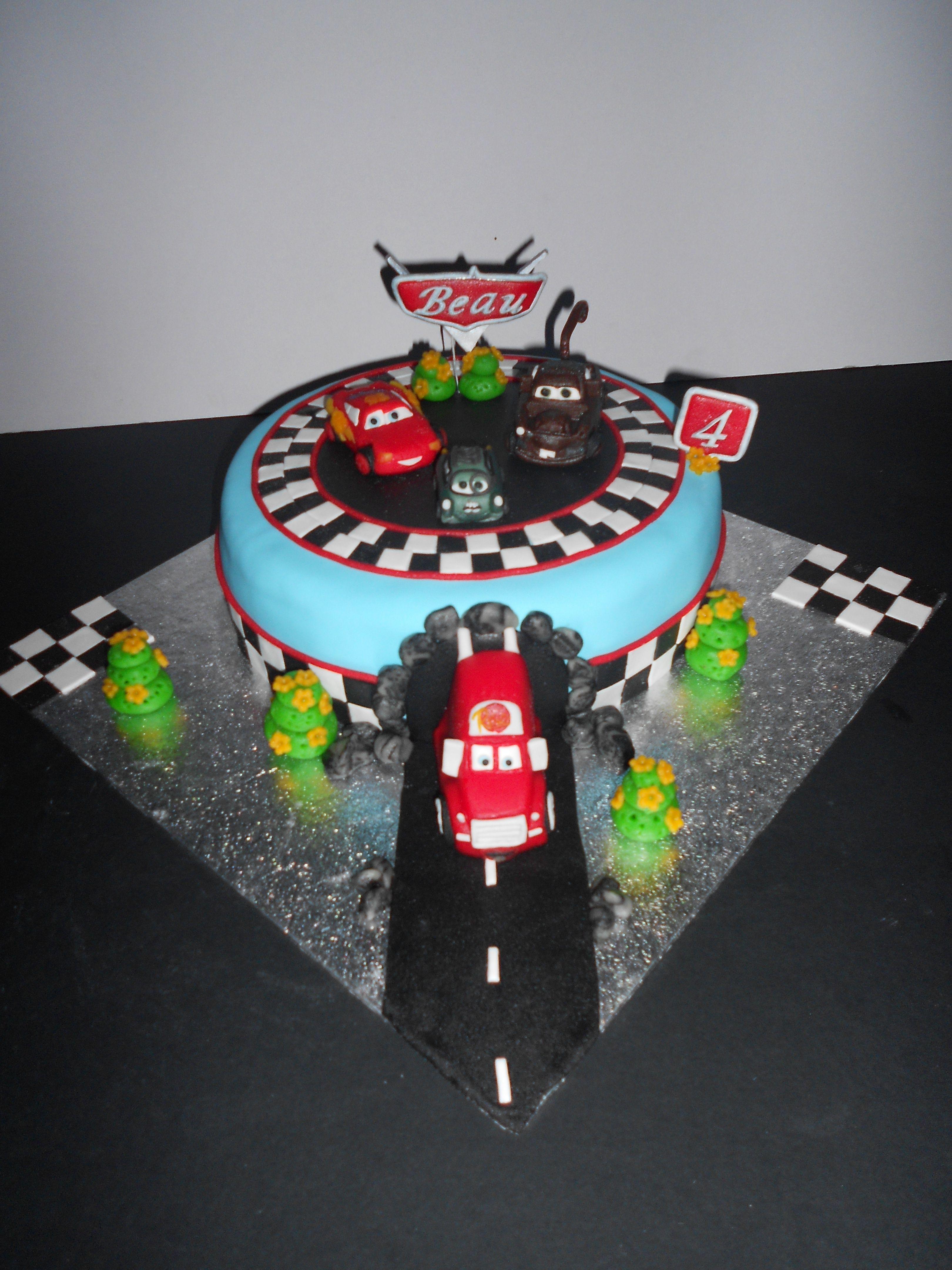 Cars taart prof z mcqueen takel en mack cars cake prof - Flash mcqueen et mack ...